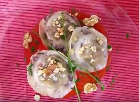 Raviolis de morcilla con cebolla caramelizada